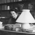 1955 - Nini Agosti Castellani nella sua casa di Torino