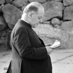 come il prete il suo breviario